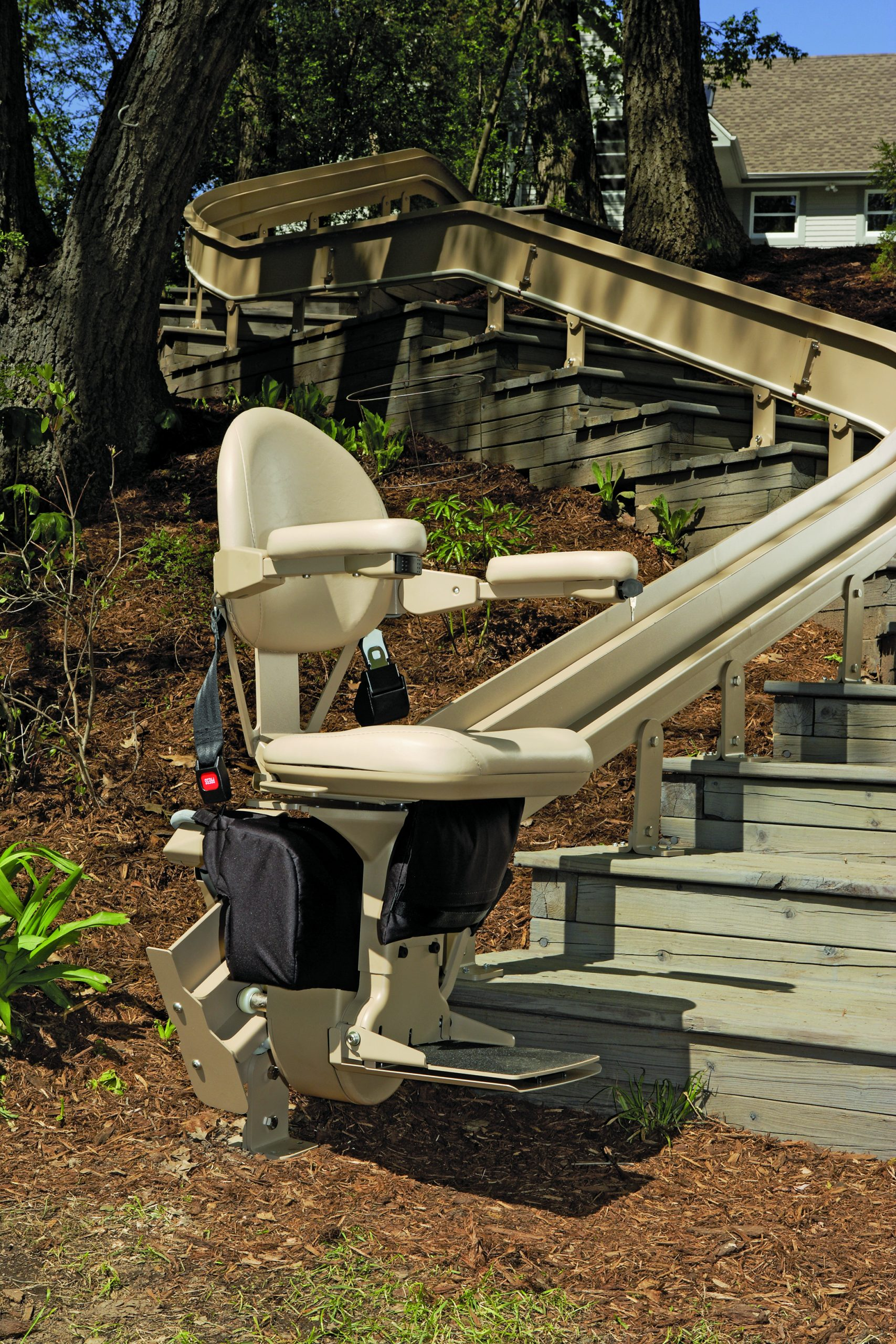 Outdoor curved bruno stair lift