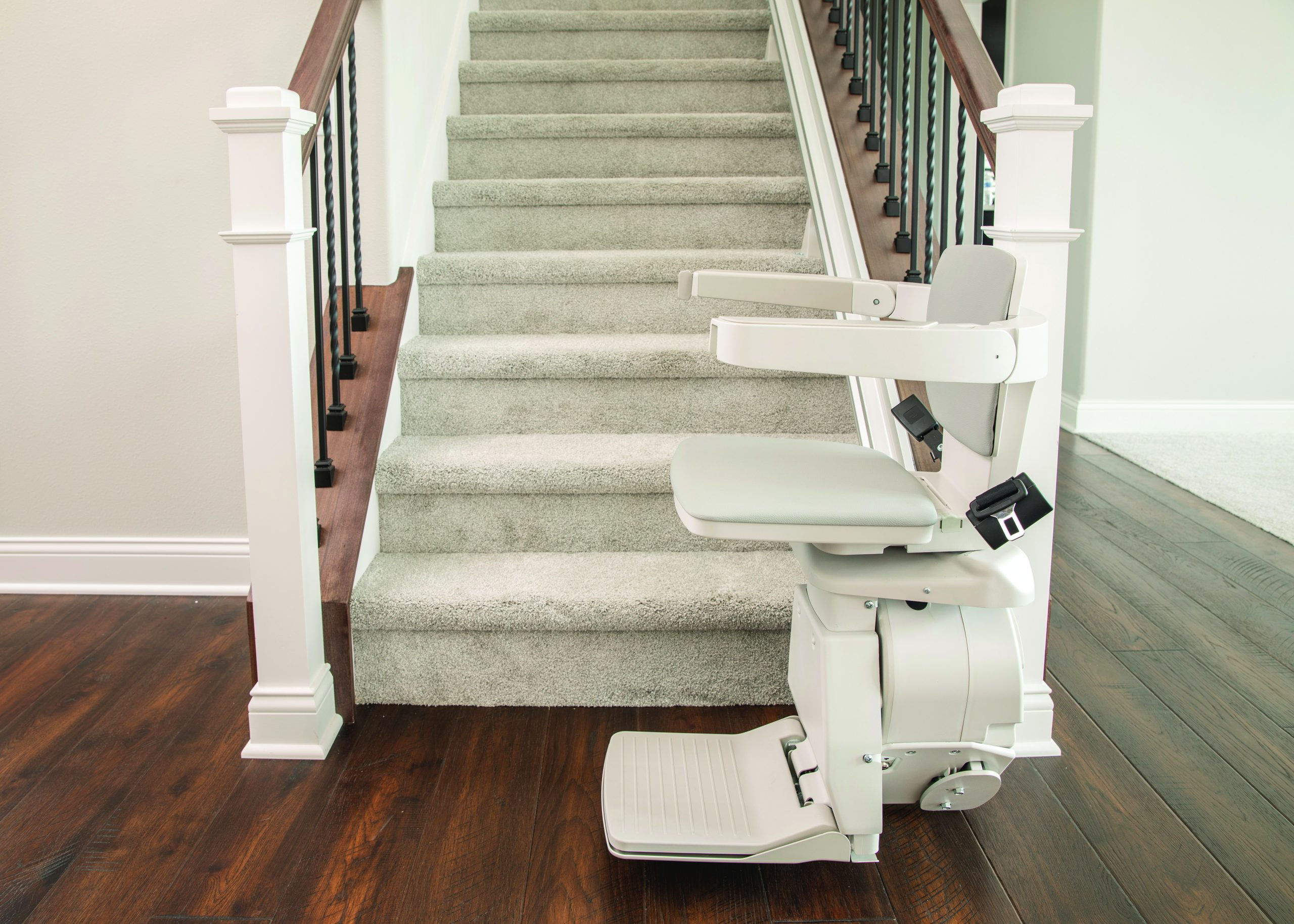 Side view of Bruno elan stair lift